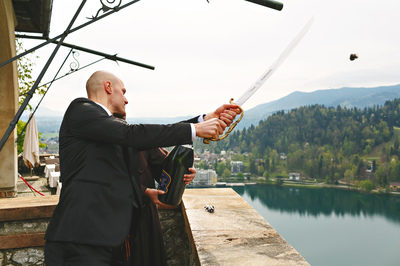 wedding_bled_castle_opening_champagne