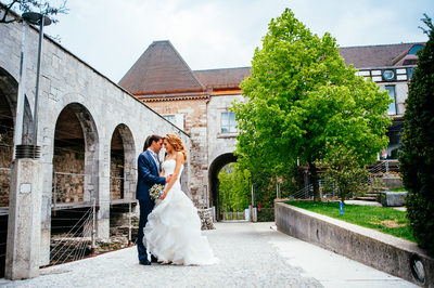 wedding_slovenia_ljubljana_castle_newlyweds