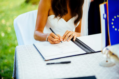 wedding_in_slovenia_vila_bled_bride_signature