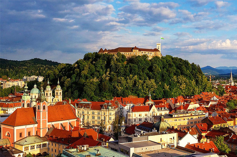 wedding_in_slovenia_ljubljana_castle_city