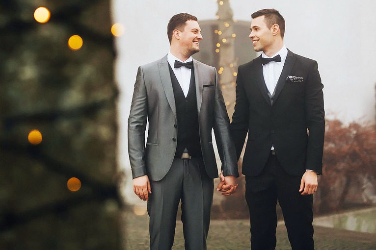 wedding_in_slovenia_ljubljana_castle_gay_couple