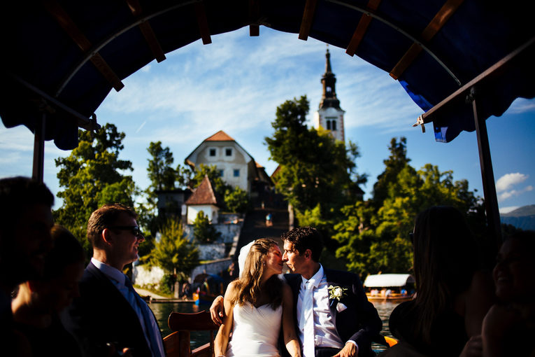 wedding_in_slovenia_vila_bled_boat_ride