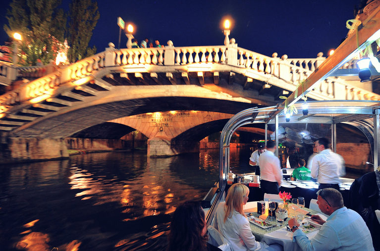 proposal_slovenia_ljubljana_boat_dinner