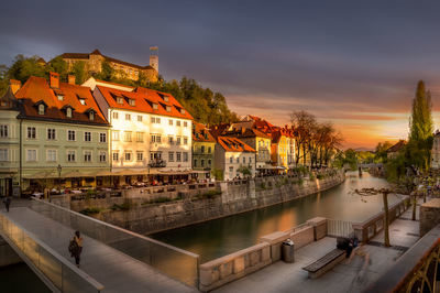 proposal_slovenia_ljubljana_romantic_view
