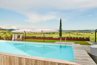 wedding_vineyards_slovenia_pool_of_the_castle-1